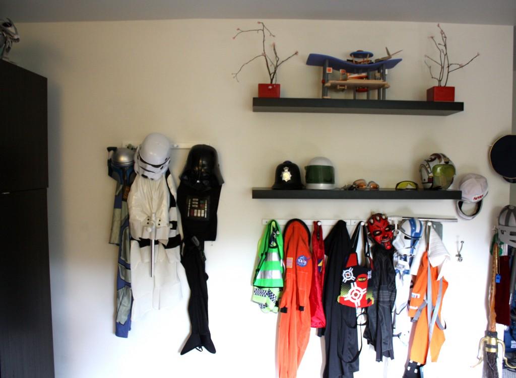 costume wall