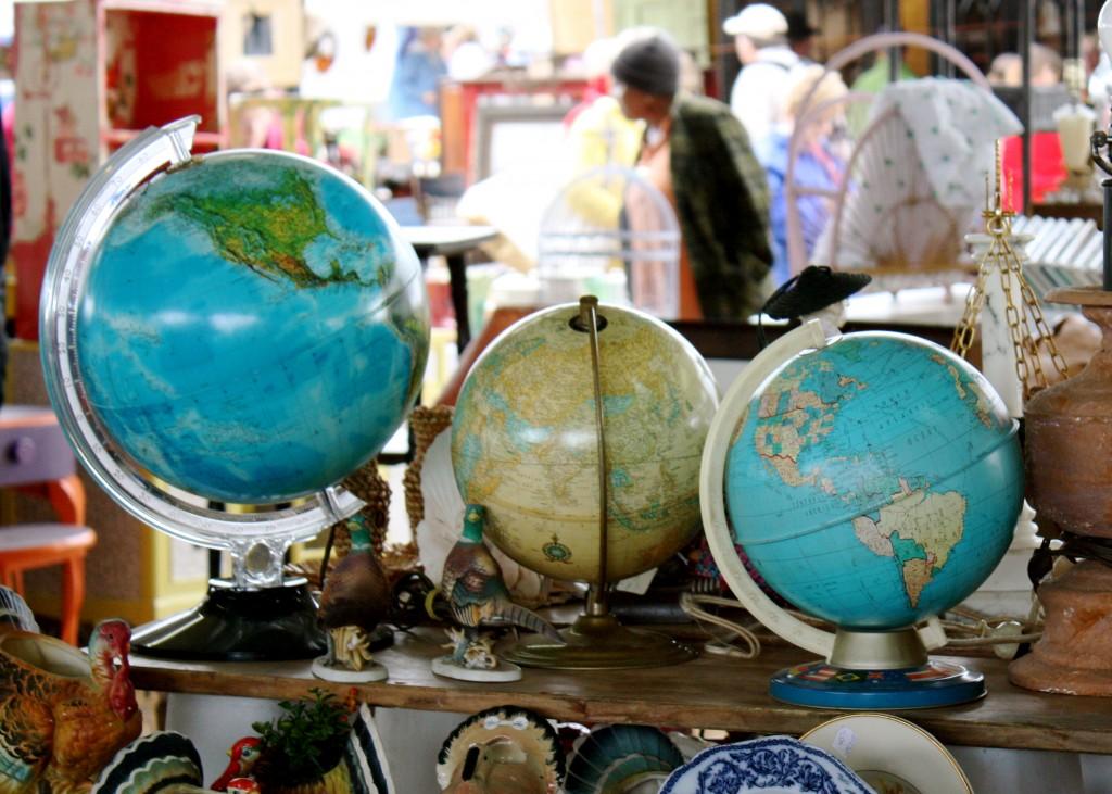 globes at flea
