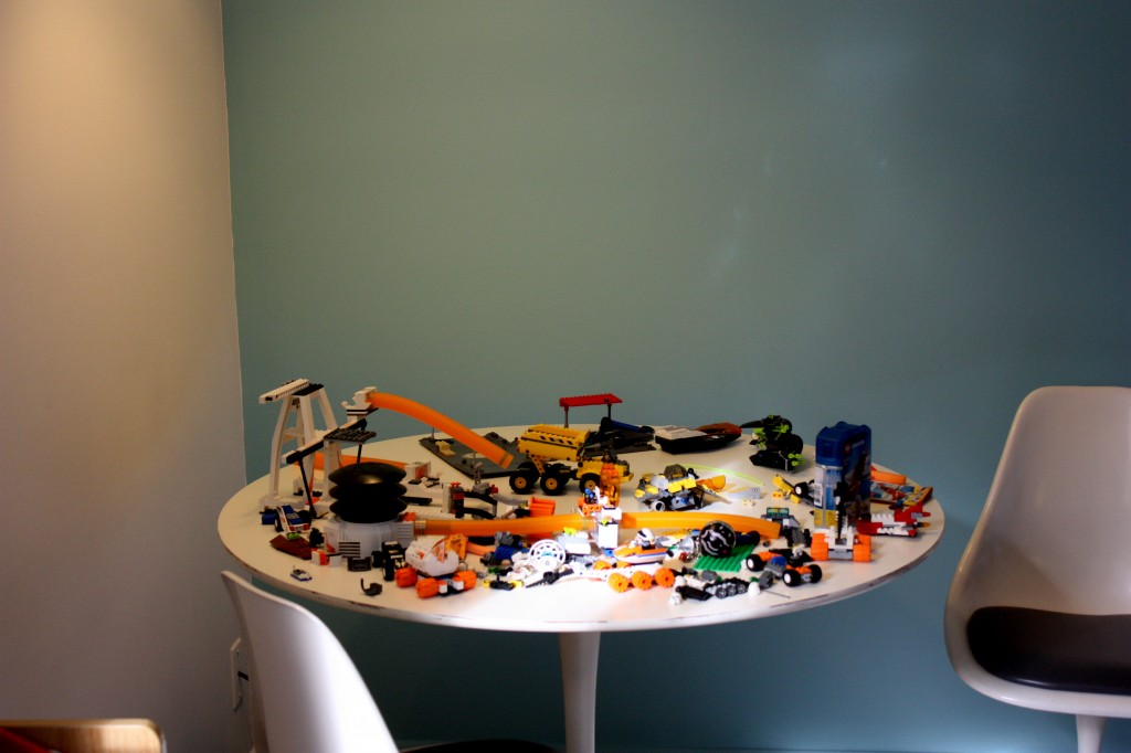 Lego Assembly Table