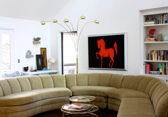 Modrugal Living Room Horse/sofa