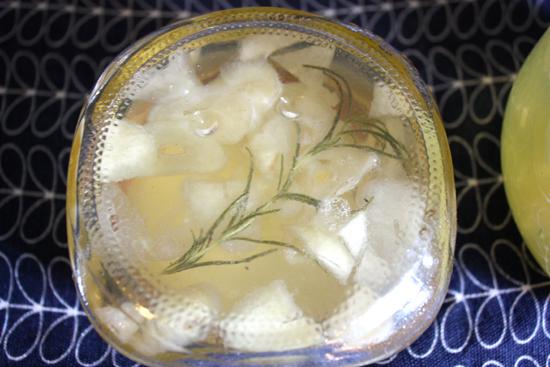 Garlic Rosemary Jelly-Modfrugal